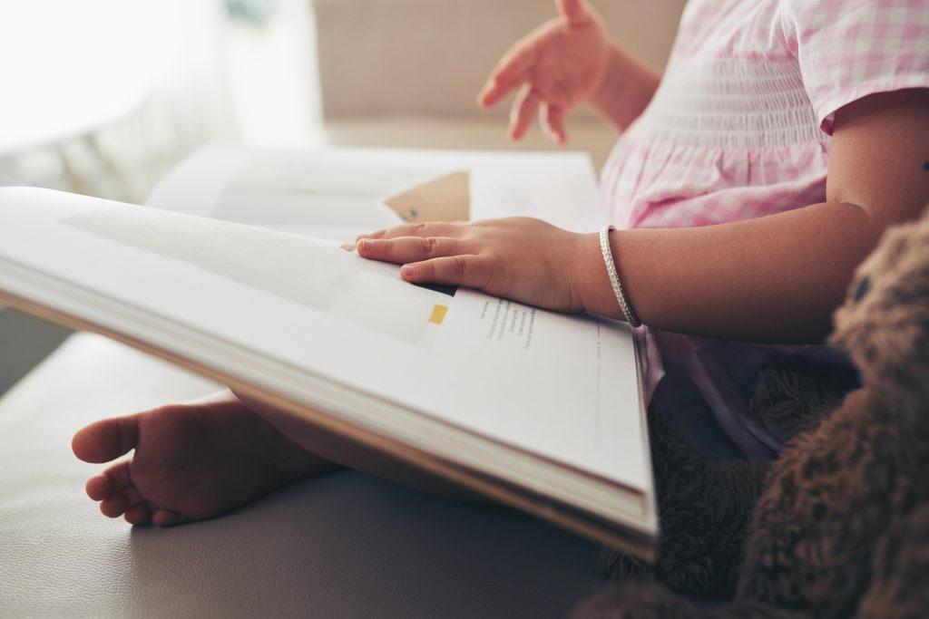 raise bilingual children